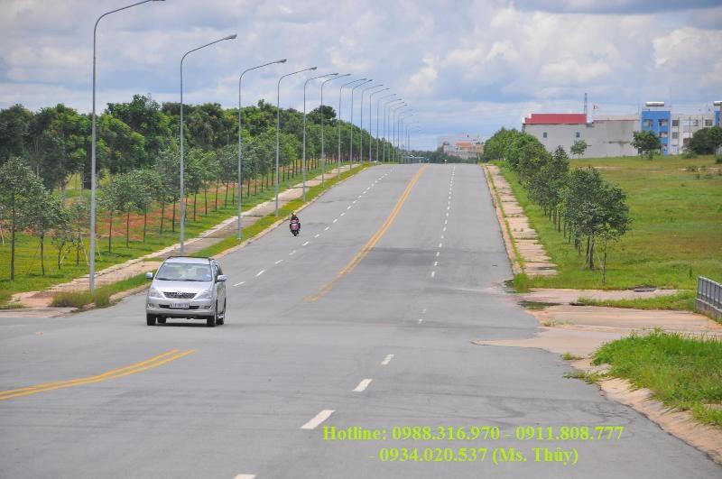 đất mặt tiền đường NA3